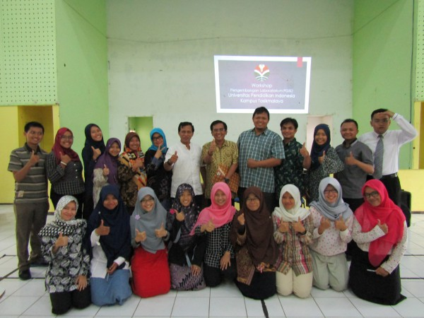 Foto 4 - Workshop Pengembangan Laboratorium PGSD